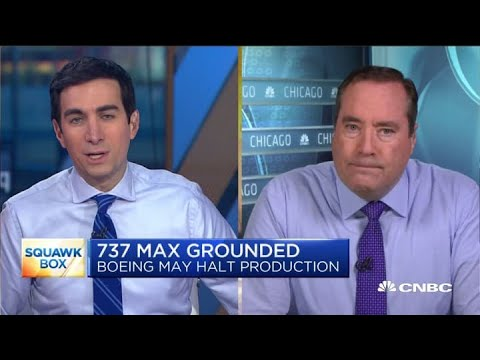 Boeing considers suspending 737 Max production
